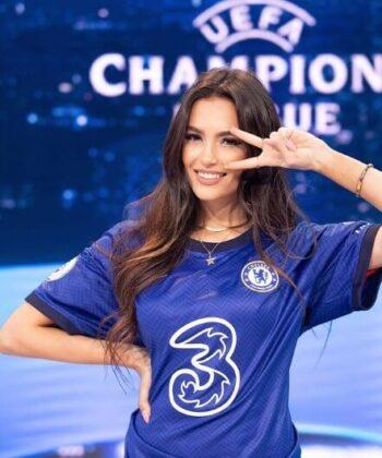 Eva Murati2