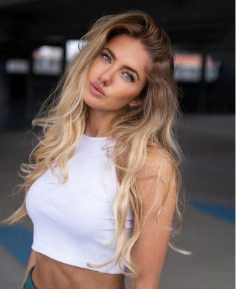 Alica Schmidt1