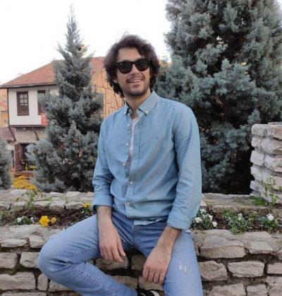 Erdem Yilmaz1